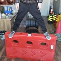 三孔水马、围挡、防撞桶、玻璃钢防撞桶
